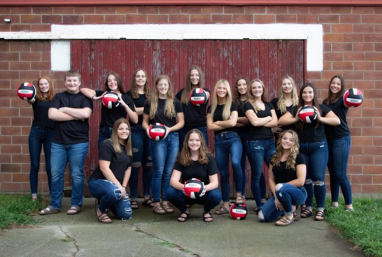 Falcon Volleyball team 2021